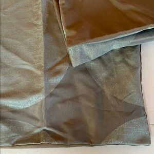 Set of two large pillowcases